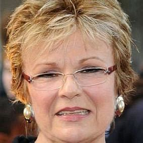 Julie Walters: Top 10 Facts You Need to Know   FamousDetails