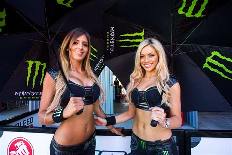 Supercars 'always reviewing' grid girl policy - Speedcafe