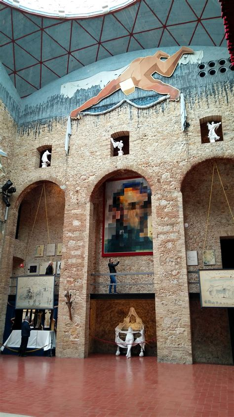 Dali Theatre and Museum : Figueres Spain | Visions of Travel