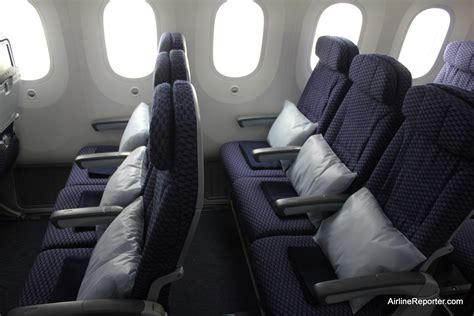 Photo Tour of United's First Boeing 787 Dreamliner