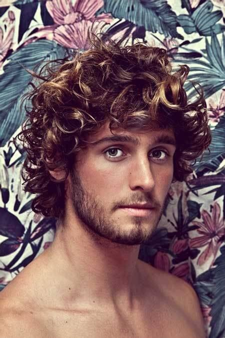 10 Trendy Hairstyles For Curly Hair - Hairstyle on Point